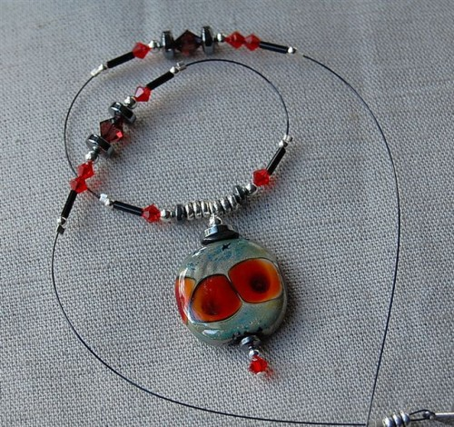 10collier coquelicot.JPG